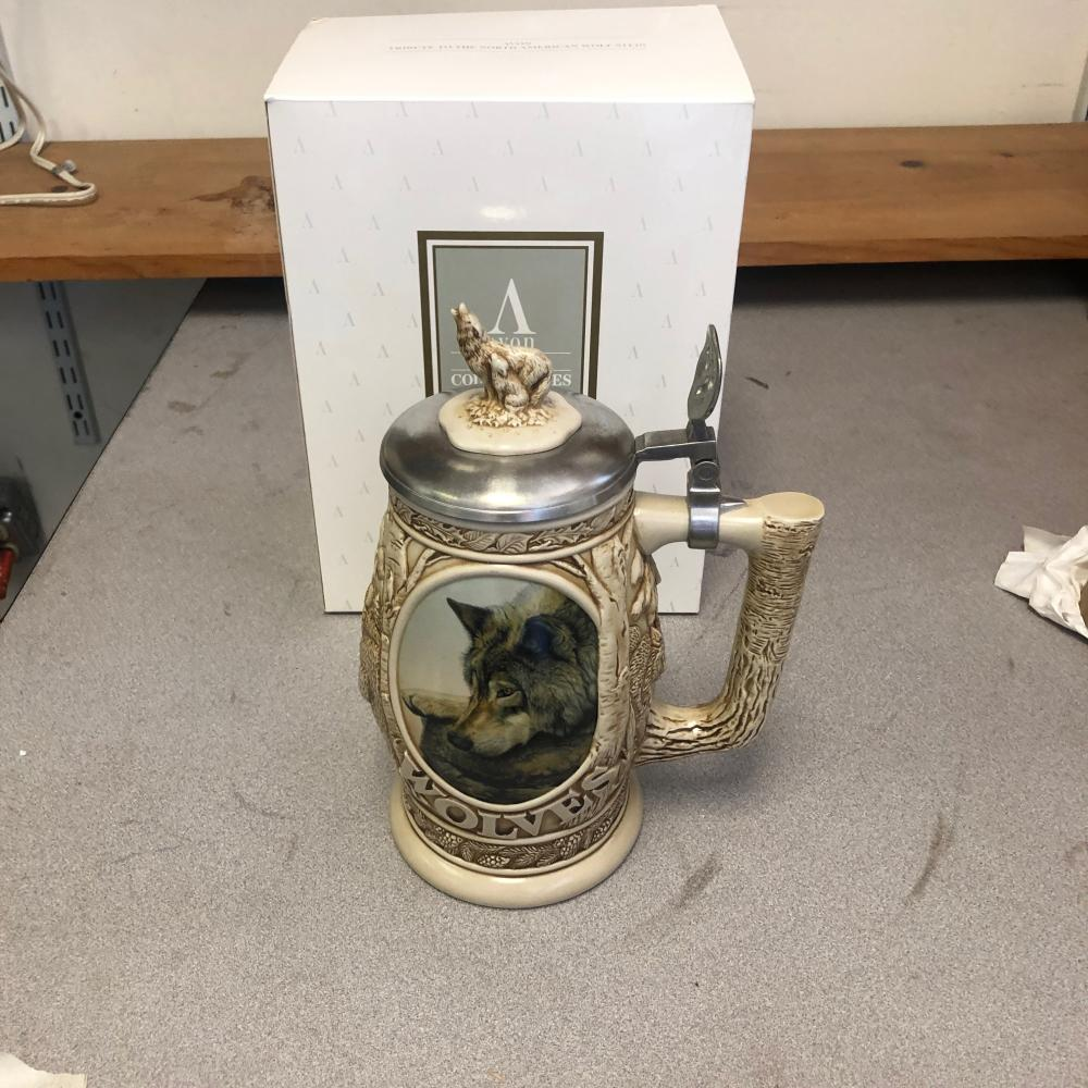 Avon Tribute To The North American Wolf Stein