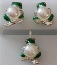 Frog holding 6 mm pearl Sterling silver & 14k gold Enamel Earrings & Pendant SET