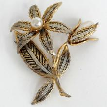 Vintage gold plated antique finish Damascene brooch with white faux pearls