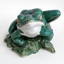 Vintage porcelain detailed FROG SITTING ON LEAF shape huge statue figurine