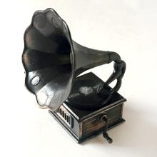 Antique style and color pencil cutter in shape of OLD FASHION GRAMOPHONE