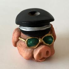 Funny CIGARETTE Extinguisher PIG HEAD WITH SUNGLASSES  AND HAT shaped