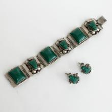 Vintage sterling silver and carved green onyx SET - bracelet with hidden clasp and ear clips