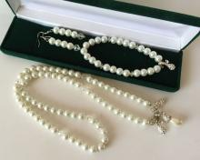 White round faux pearls, colorless faceted beads and white rhinestones charms SET: earrings, necklace, bracelet