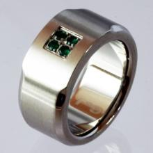 Stainless steel green emerald band style ring, size 7