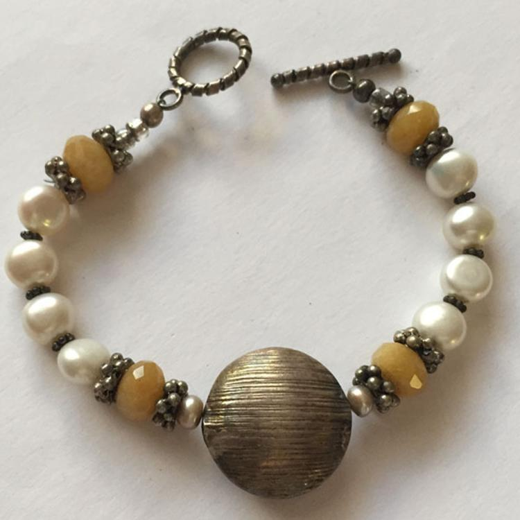 Silver tone beads and toggle clasp with genuine faceted aventurine beads and white genuine fresh water pearl bracelet