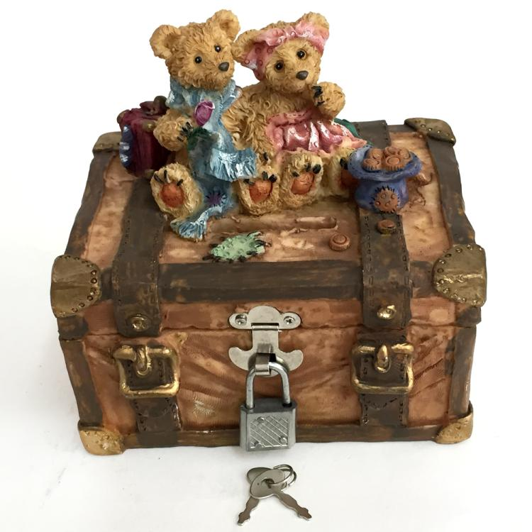 Money Box Bank wth 2 BEARS sitting on top, with dangling lock and set of keys