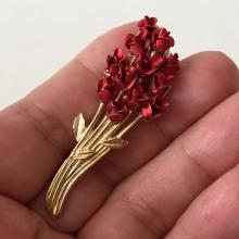 DM 97: Gold plated RED ROSES BUQUET shaped brooch, signed