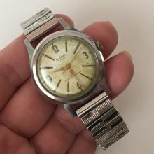 Vintage stainless steel round SELLITA 17 jewels INCABLOC Swiss made watch with stretchable bracelet