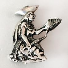 Vintage sterling silver antique finish hand made NATIVE AMERICAN WOMAN shaped brooch