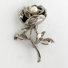 Silver tone FLOWER shape pin brooch with faux white pearl