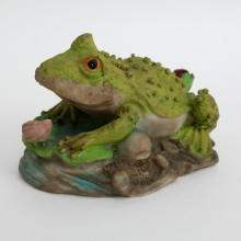 Vintage resin FROG TOAD WITH LADYBUG statue figurine, light in weight