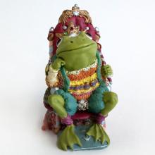 KING RIBBIT from Camelot Frogs figurine, statuette