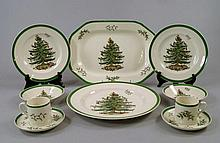 A Spode Christmas tree part dinner service, late