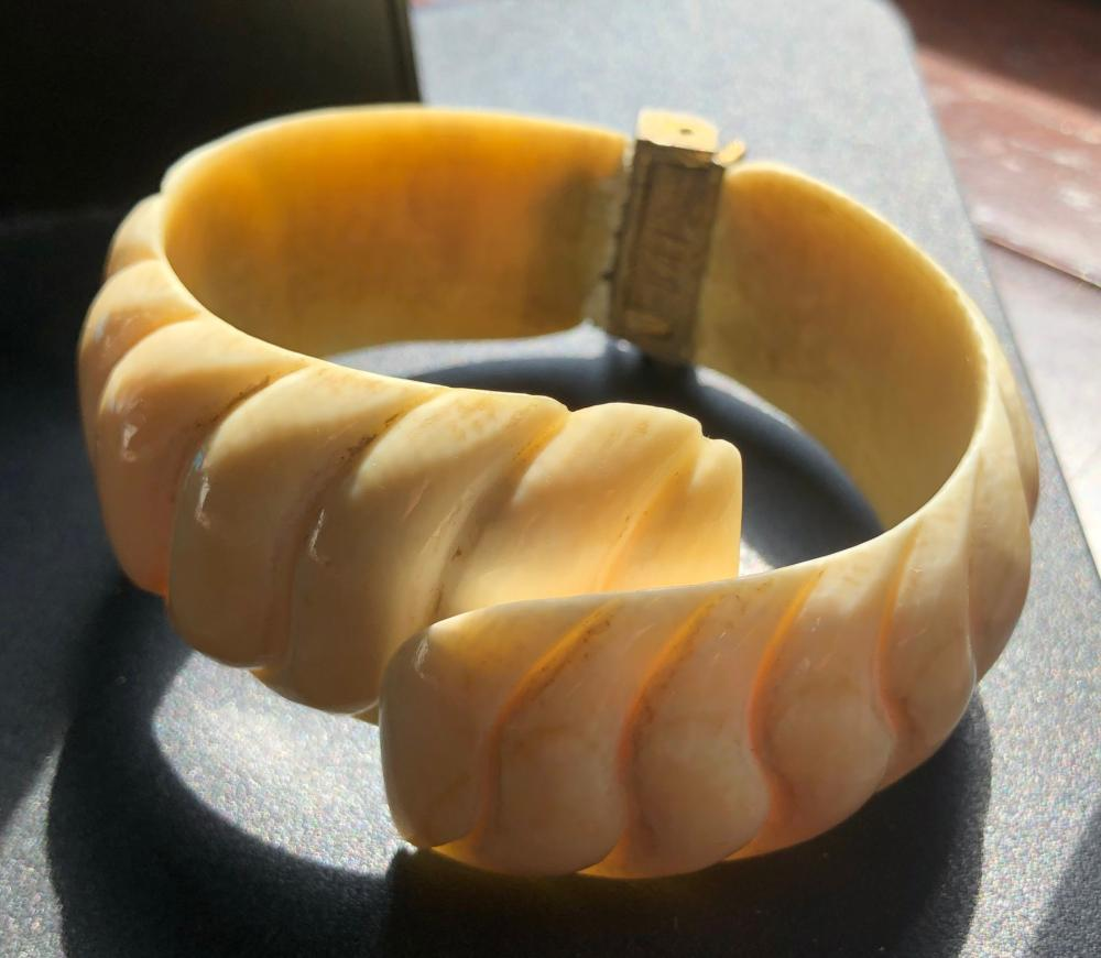 Vintage Carved Bracelet with Hinge