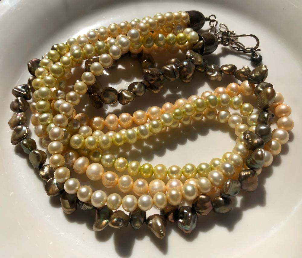Vintage Four Strings Fresh Water Pearl Necklace with