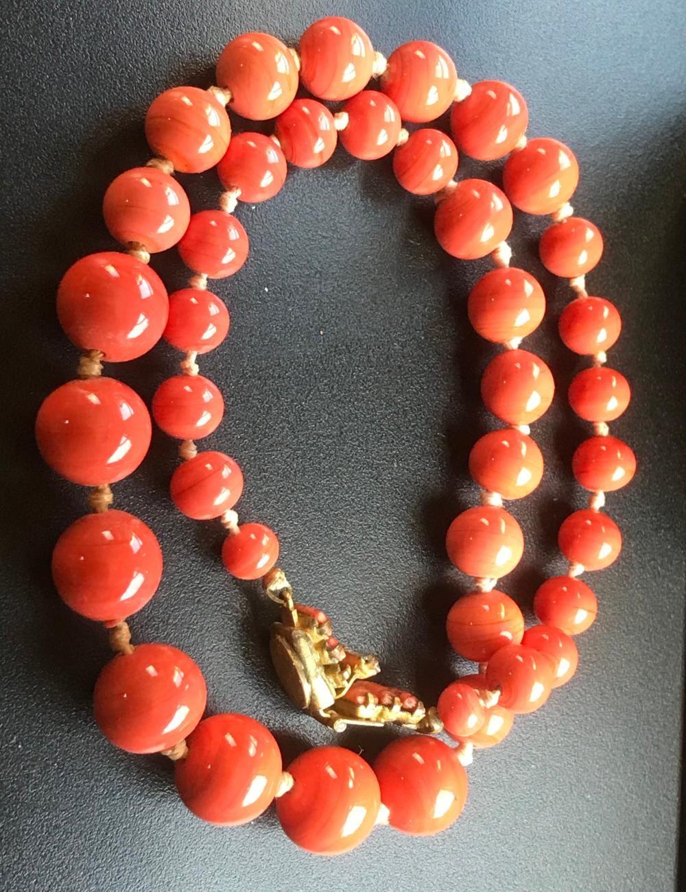 Vintage Glass Beads Necklace