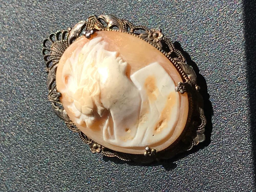 Vintage Silver Cameo Brooch Pin