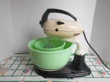 Vintage Standing Mixer with Jadite Bowls
