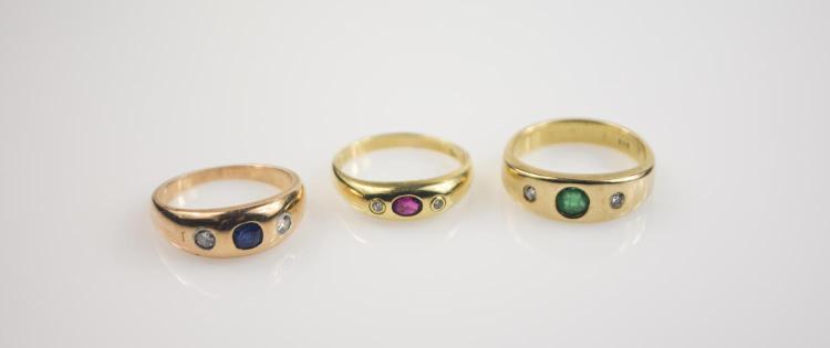 Convolute of ladies' rings