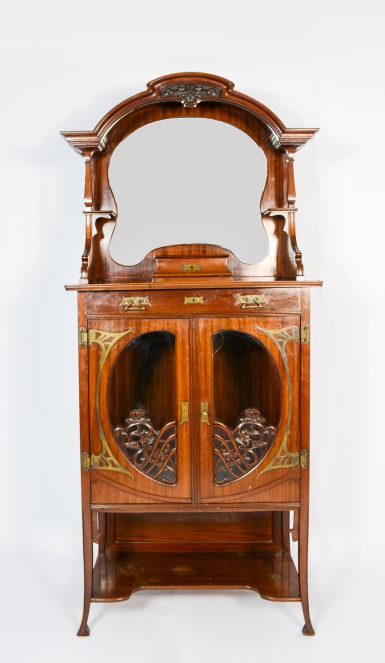 Art Nouveau-Vertiko