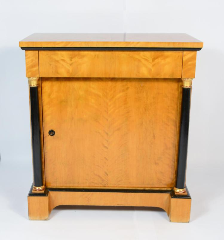 Biedermeier style chest of drawers