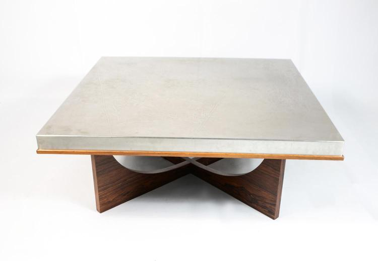 Coffee table with aluminum plate