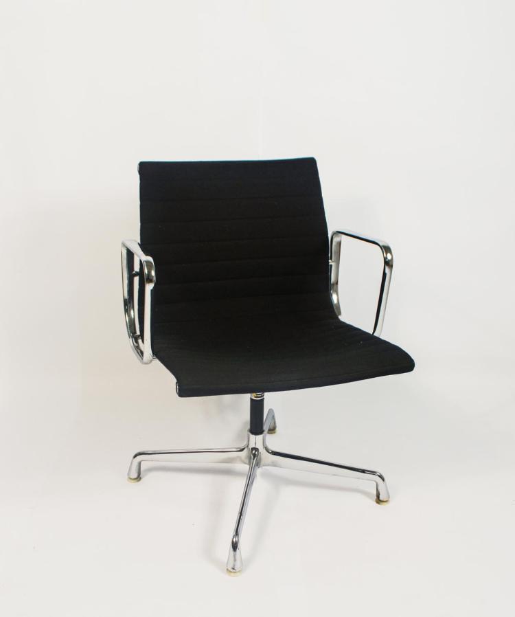 Office chair EA 119