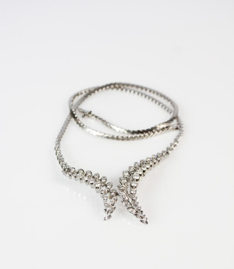 Ladies' collier