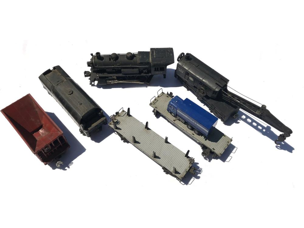 Lionel Train Set 1615 Engine And More