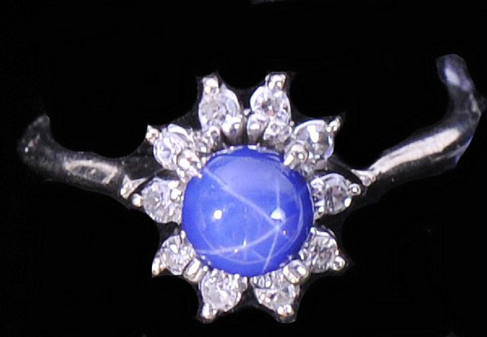 Diamond ring/Sapphires