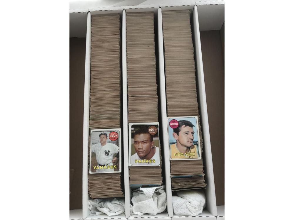Approx 2300 1969 Topps Baseball Cards