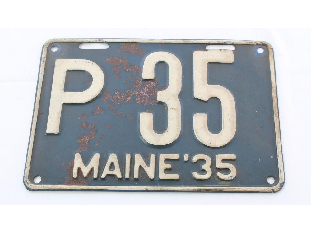 Excellent Pair Of 1935 Maine License Plates