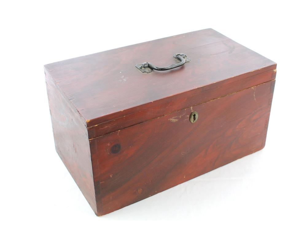 Very Clean Antique Maine Lift Top Box