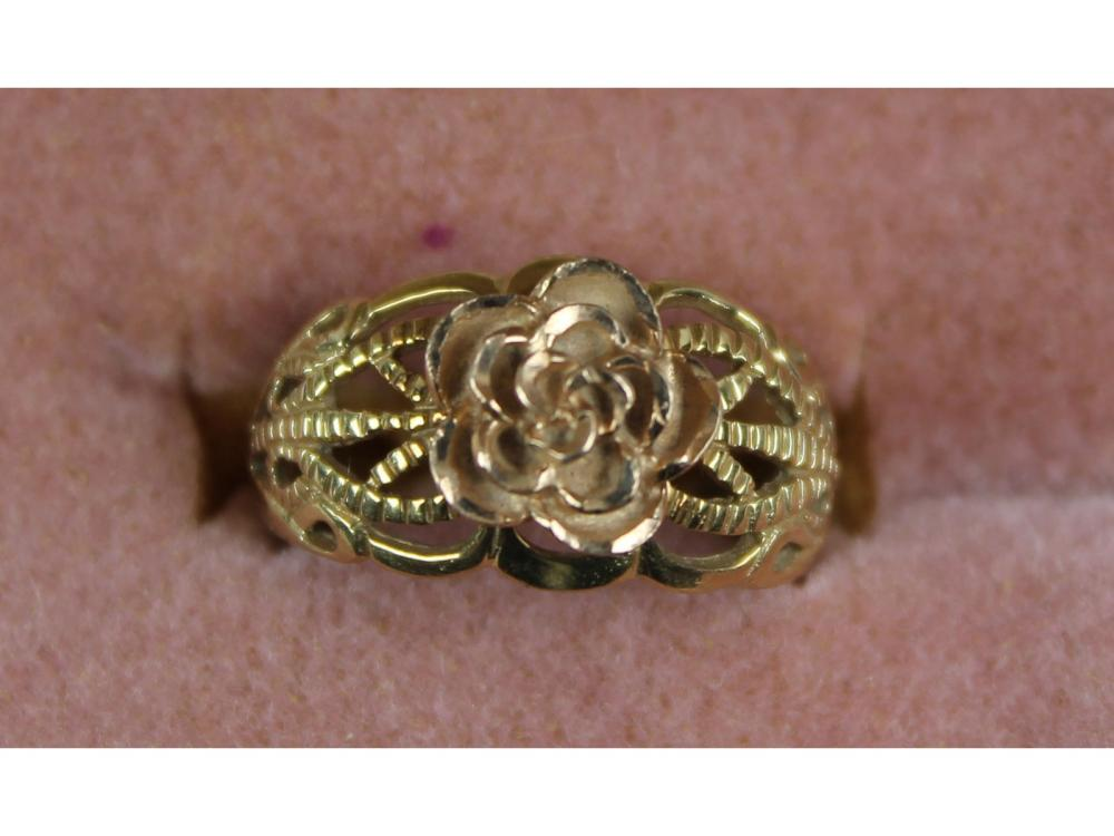 10kt. Gold Ladies Ring 3 Grams
