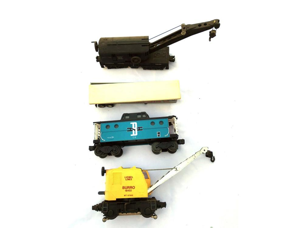 Assorted Lionel Train Cars