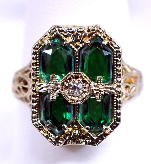 Emerald Ring Auction