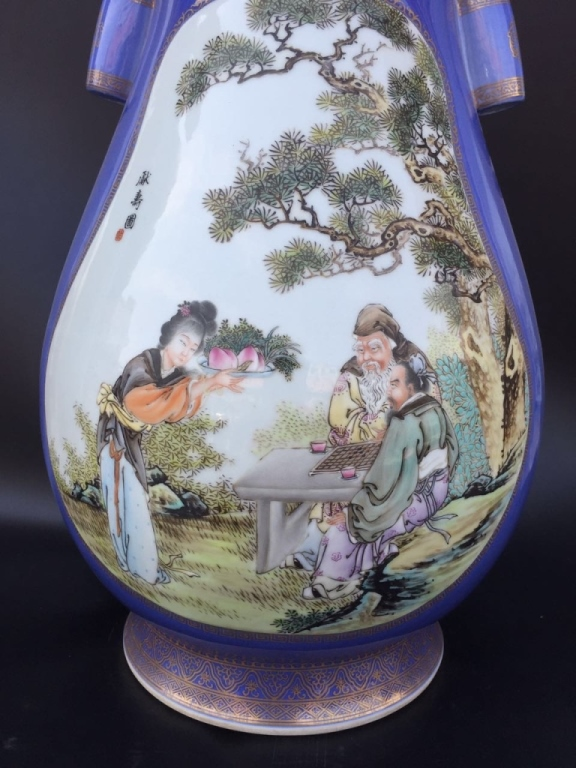 jingdezhen single guys A clue to this darker side can be gleaned from one of the exhibition's highlights,   to keep up with the emperors' demands for jingdezhen porcelain  who  perished when his imperial palace was torched by yongle's men.