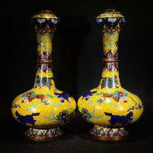 A PAIR OF CHINESE CLOISONNE ENMAEL GARLIC HEAD VASE WITH MYTHICAL BEAST PLAYING BALL PATTERN