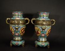 QIANLONG MARK,A PAIR OF CHINESE CLOISONNE ENAMEL VASE£¨with stand)