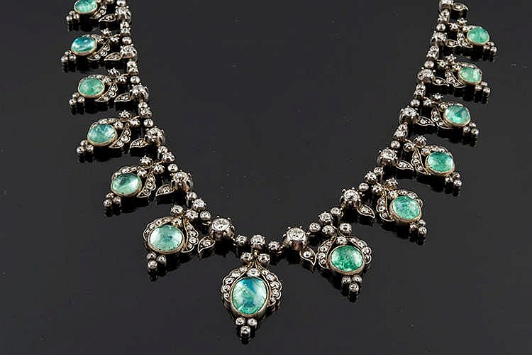 A GOLD, SILVER, BERYL AND DIAMOND NECKLACE, LATE 18TH/EARLY 19TH CENTURY