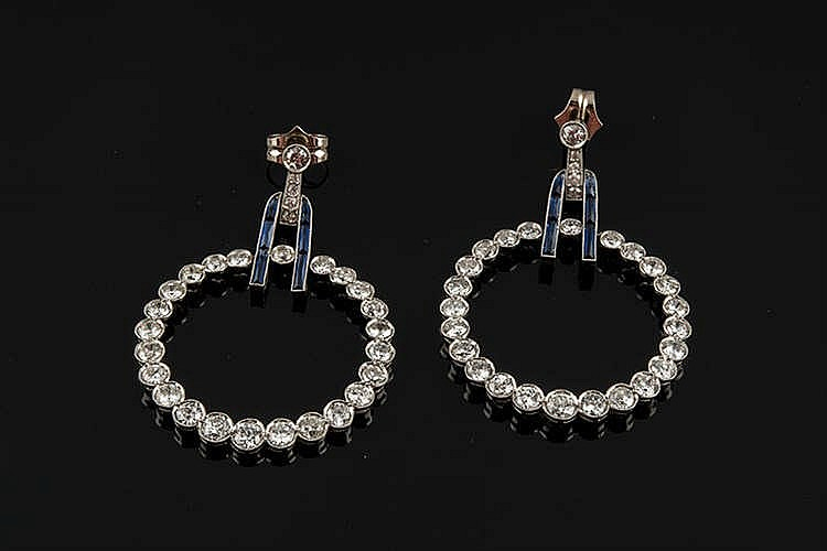 A PAIR OF ART DECO PLATINUM AND DIAMOND EARRINGS
