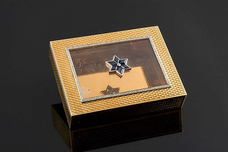 A GOLD, SAPPHIRE AND DIAMOND BOX