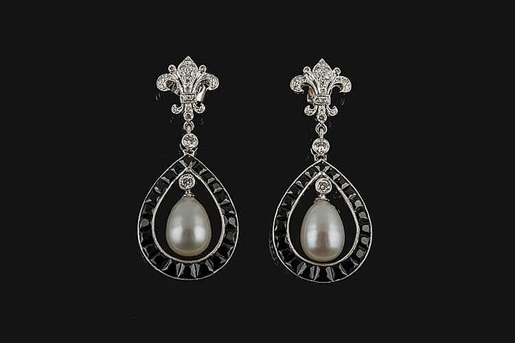 A PAIR OF GOLD, PEARL, BLACK GEMSTONE AND DIAMOND EARRINGS