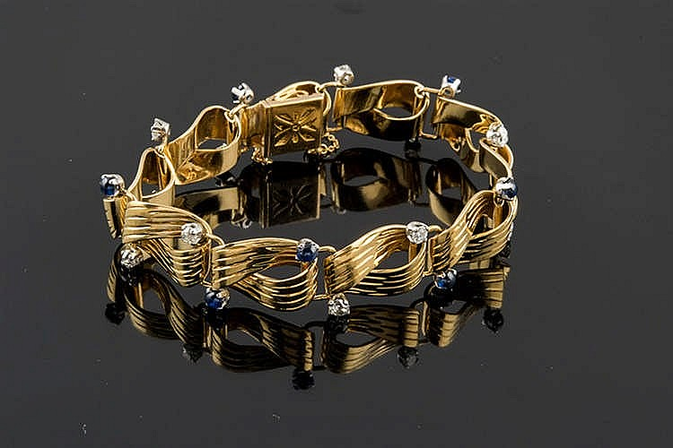 A GOLD, SAPPHIRE AND DIAMOND BRACELET