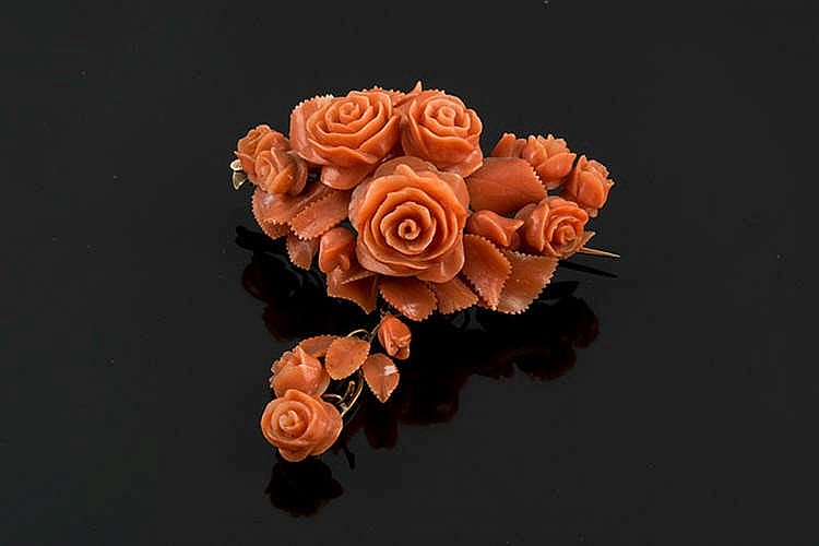 A CORAL BROOCH, MID-19TH CENTURY