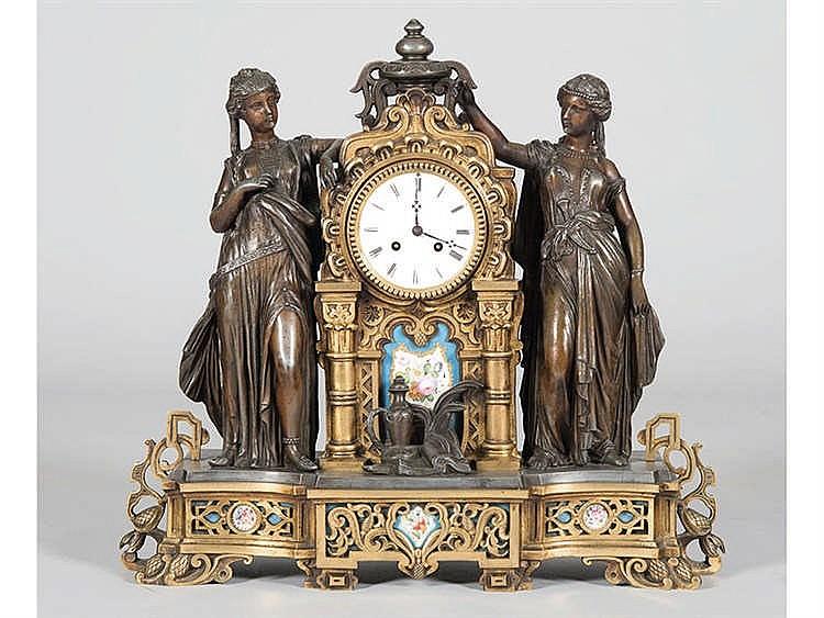A FRENCH MANTEL CLOCK, CIRCA 1870