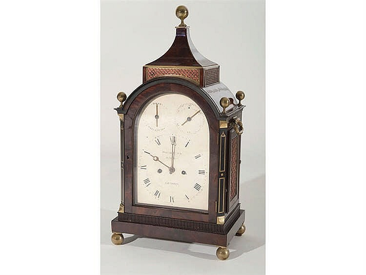 AN ENGLISH BRACKET CLOCK, CIRCA 1800