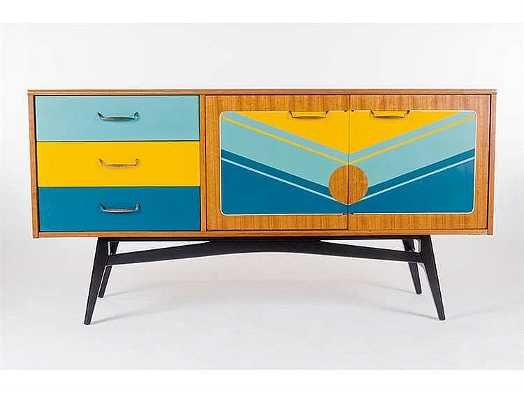 A G-PLAN STYLE SIDEBOARD