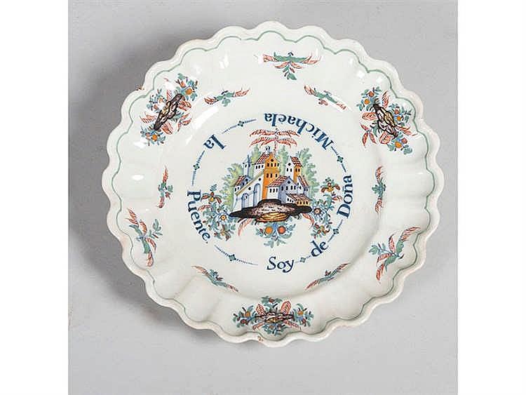 A CERAMIC PLATE, 18TH CENTURY